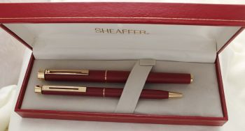 3049 Sheaffer Targa Fountain Pen and Ball Pen Set in Matte Burgundy. Extra Fine FIVE STAR nib. Mint and Boxed.
