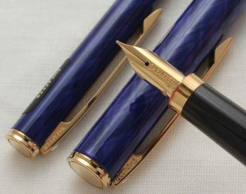 3054 Sheaffer Fashion II Fountain Pen set in Blue Tartan. Fine FIVE STAR nib. Mint with Pouch.