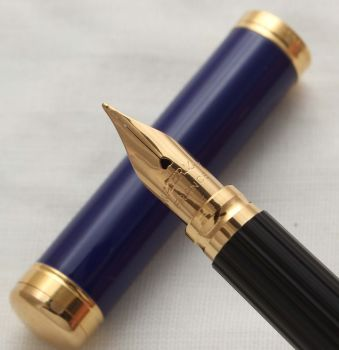 3056 Watermans Lady Charlotte Fountain Pen in Blue Lacquer, Smooth Medium Nib.