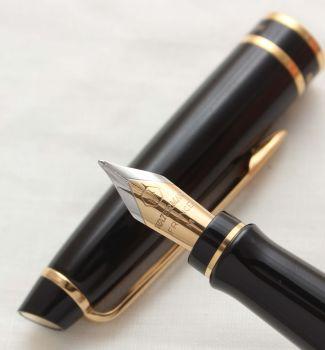 3058 Watermans Hemisphere Fountain Pen in Classic Black, Smooth Medium Nib.