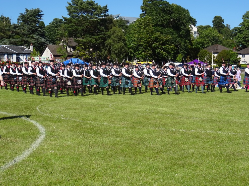 Pipe Band Competition - massed band
