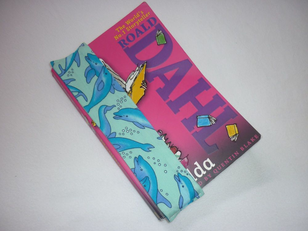Dolphin super stay-put bookmark