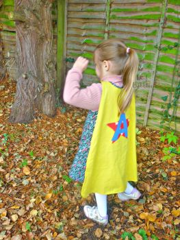 Reversible superhero cape with initial - your choice of colours
