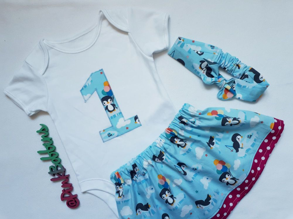 Penguin 1st birthday outfit *LAST ONE - 9-12 months - ready to post*