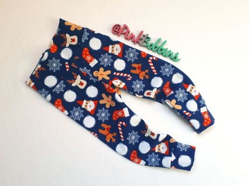 Fun Christmas leggings with optional bow cuffs