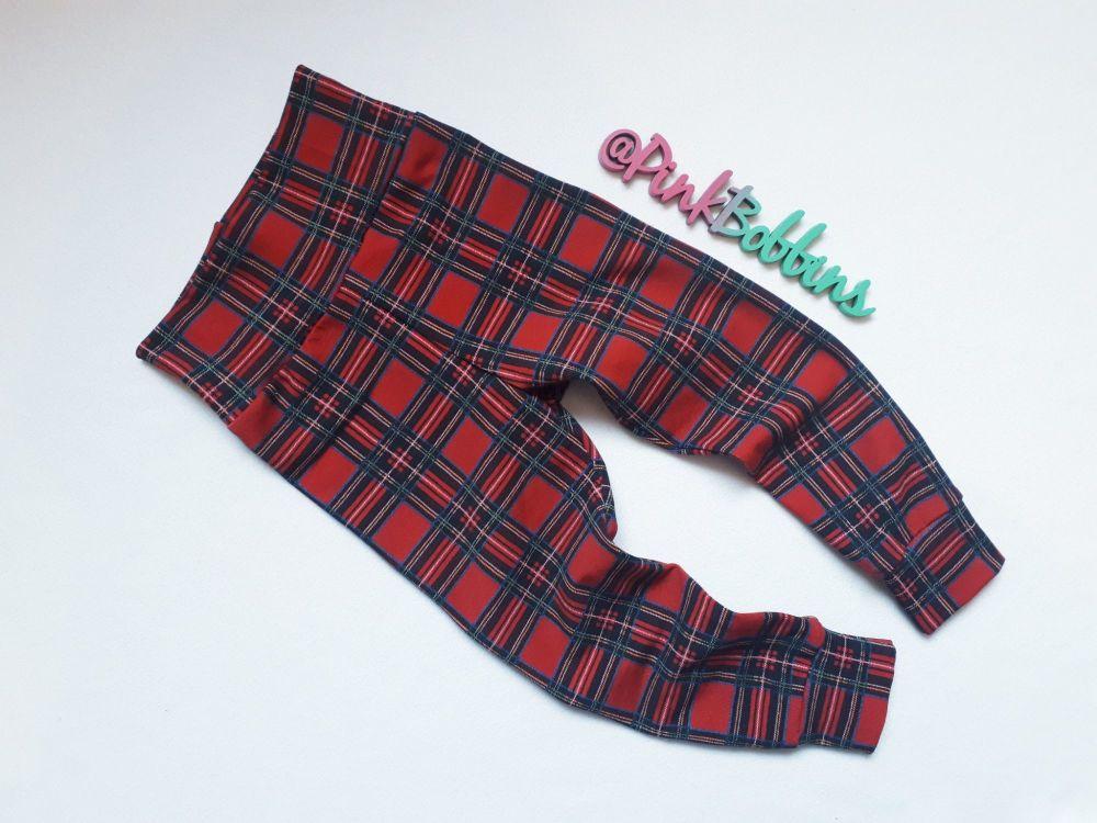 Tartan leggings with optional bow cuffs