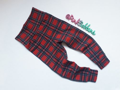 Tartan leggings with optional bow cuffs