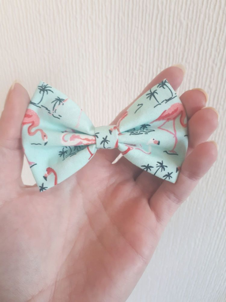 Flamingo hair bow (mint) *LAST ONES!*