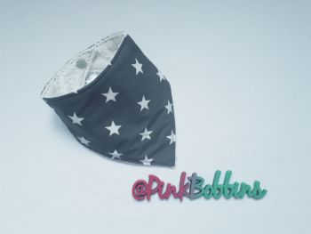 Grey star dribble bib