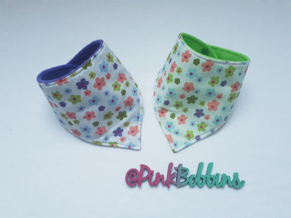 White flower dribble bib *LAST ONES!*