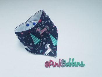 Winter unicorn dribble bib