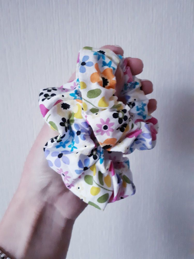 Funky floral scrunchie