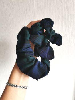 Tartan (blue/green) scrunchie - in stock