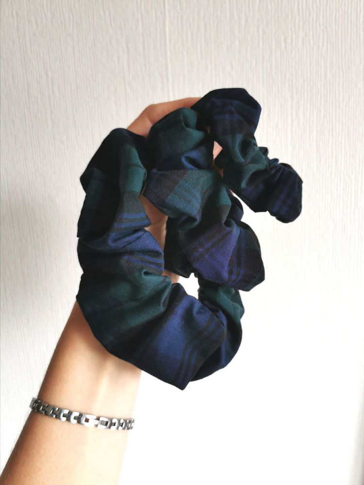 Tartan (blue/green) scrunchie - in stock