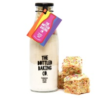 Unicorn Tray Bake - Bottled Baking Kit