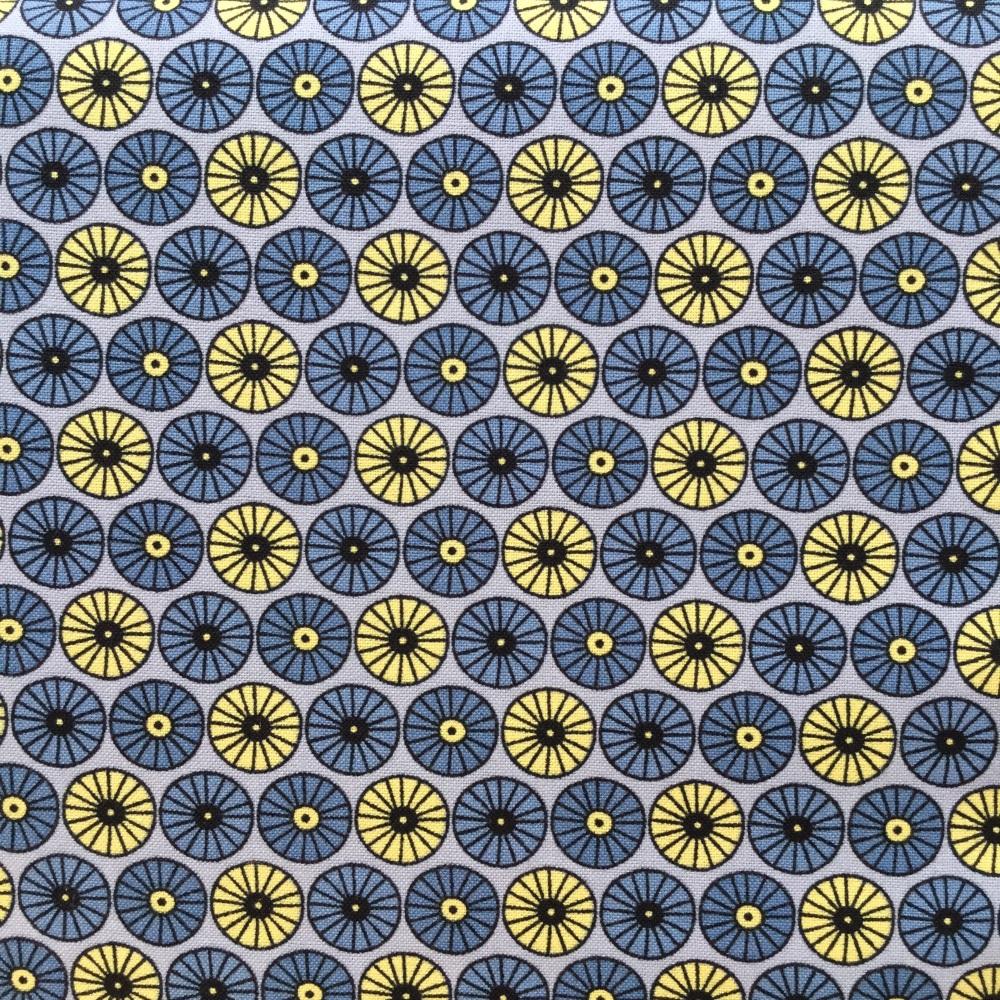 Fabric Freedom Scandi Flora ~ Circle Grey per Half Metre