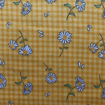 Debbie Shore Cottage Garden Collection Daisies on Yellow Gingham