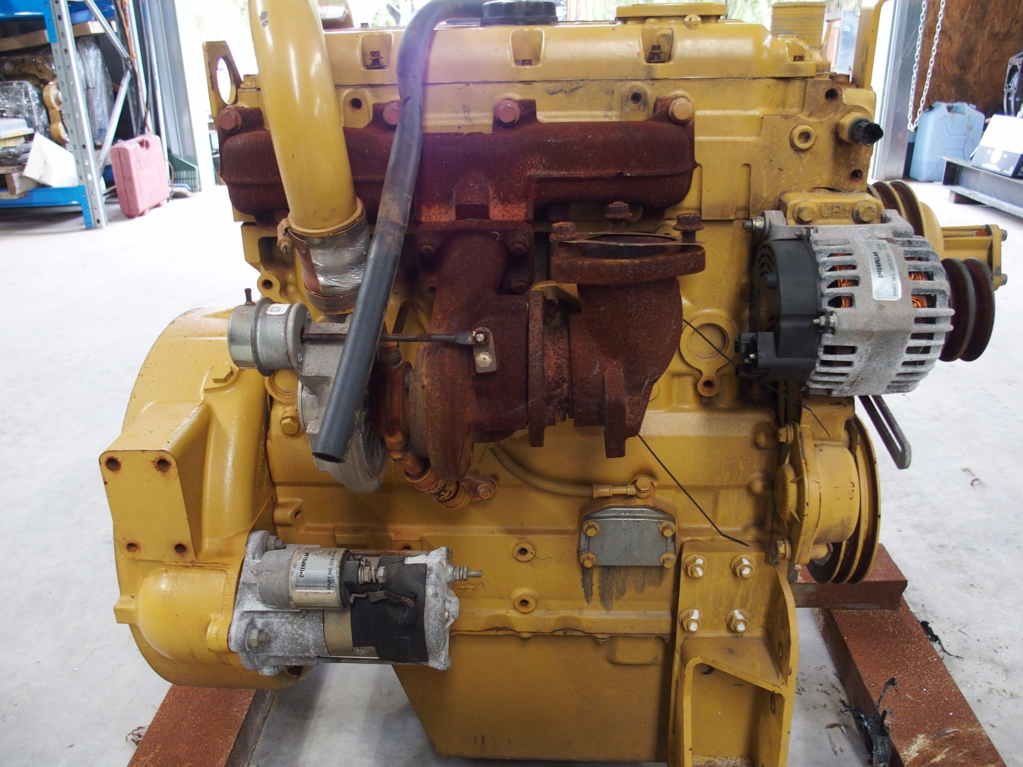 CAT 3054 4.4 L Core Engine 4