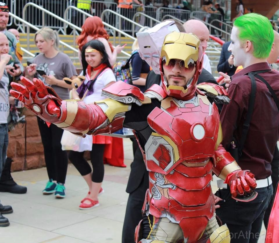 Replica Iron Man Cosplay Costume