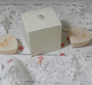 Large Blossom Hearts Favour Boxes (with embellishment) (10 off)
