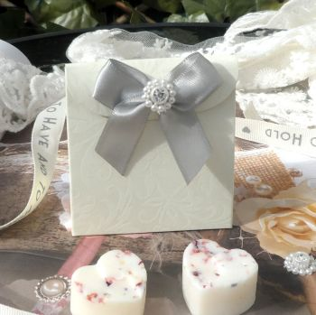 (10 off) Embossed Floral Satchel Favour Boxes with Aroma Wax Melts