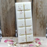 <!-- 014 -->Strawberry and Rhubarb Aroma Wax Snap Bar