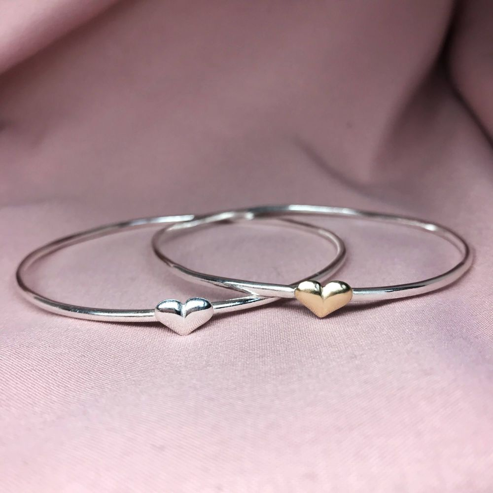 Essential | Single Heart Bangle