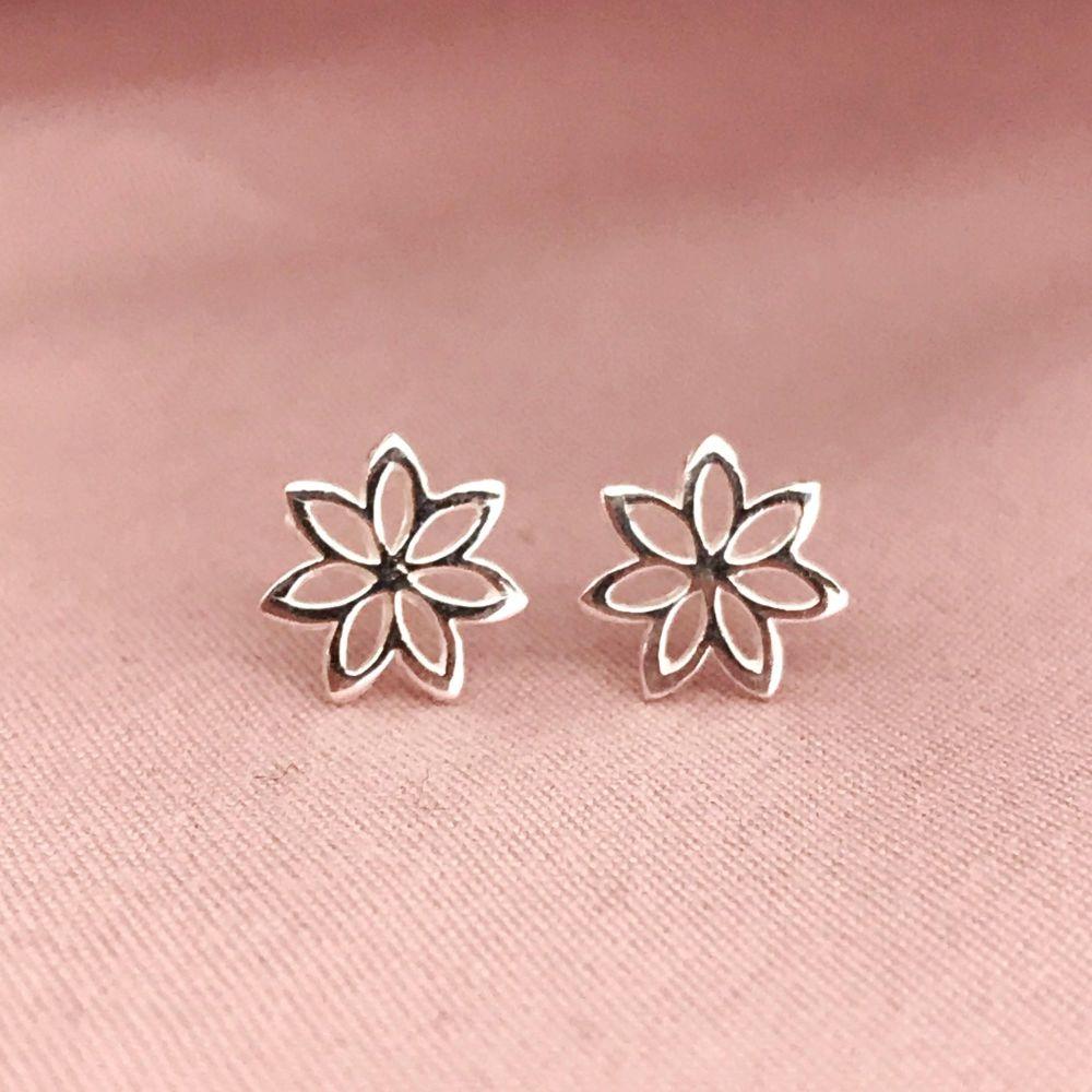 Flower Outline Earrings