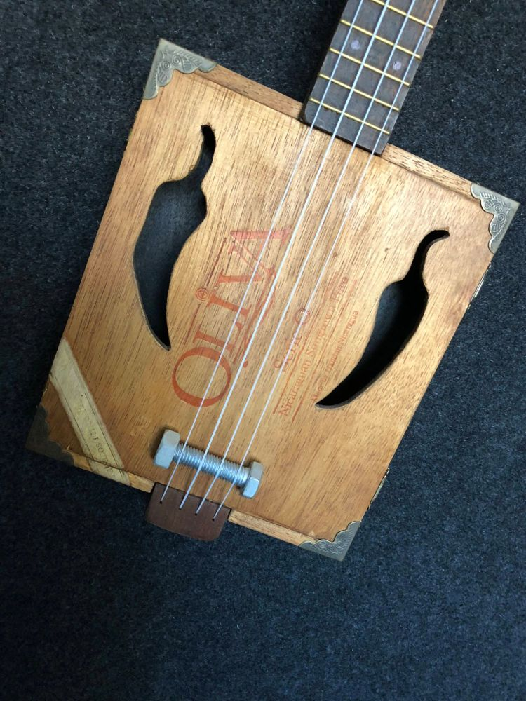 Oliva cigar box ukulele