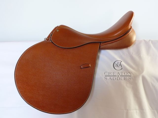 eventa-jumping-saddle