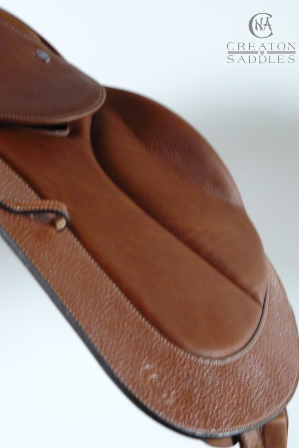 jumping-saddle-flap-detail