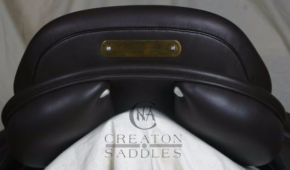 dressage-saddle-square-cantle