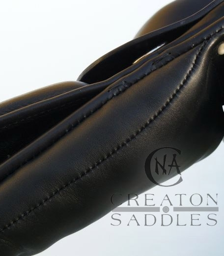 gusset-detail-on-dressage-saddle