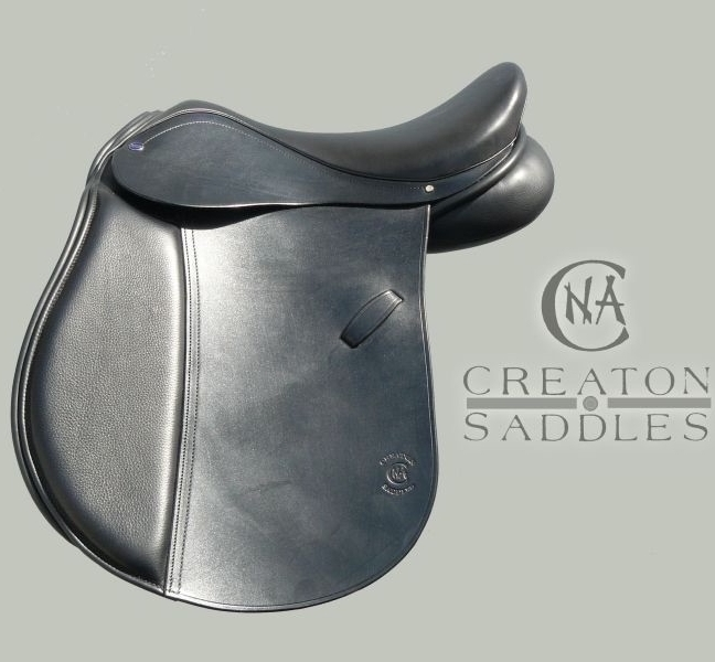 wide-saddle-for-horses