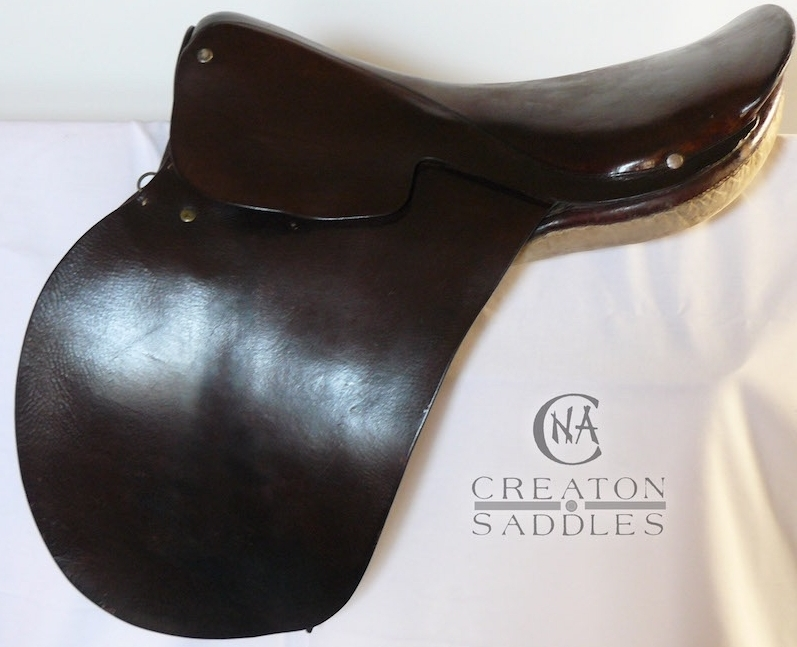 old-hunting-saddle