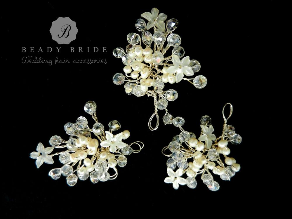 Little sprig-bridal-hair-pin-by-Beady Bride-UK (1)