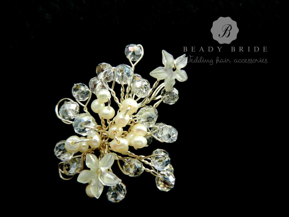 Little sprig-bridal-hair-pin-by-Beady Bride-UK (2)