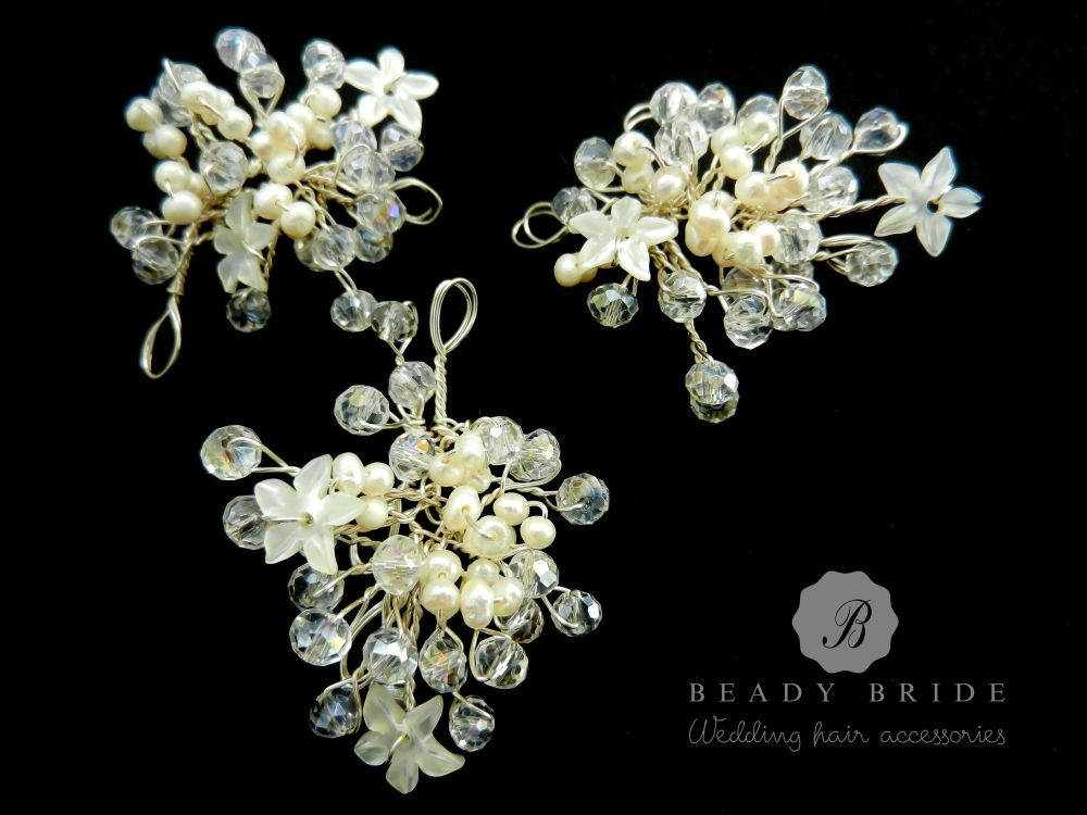 Little sprig-bridal-hair-pin-by-Beady Bride-UK (7)