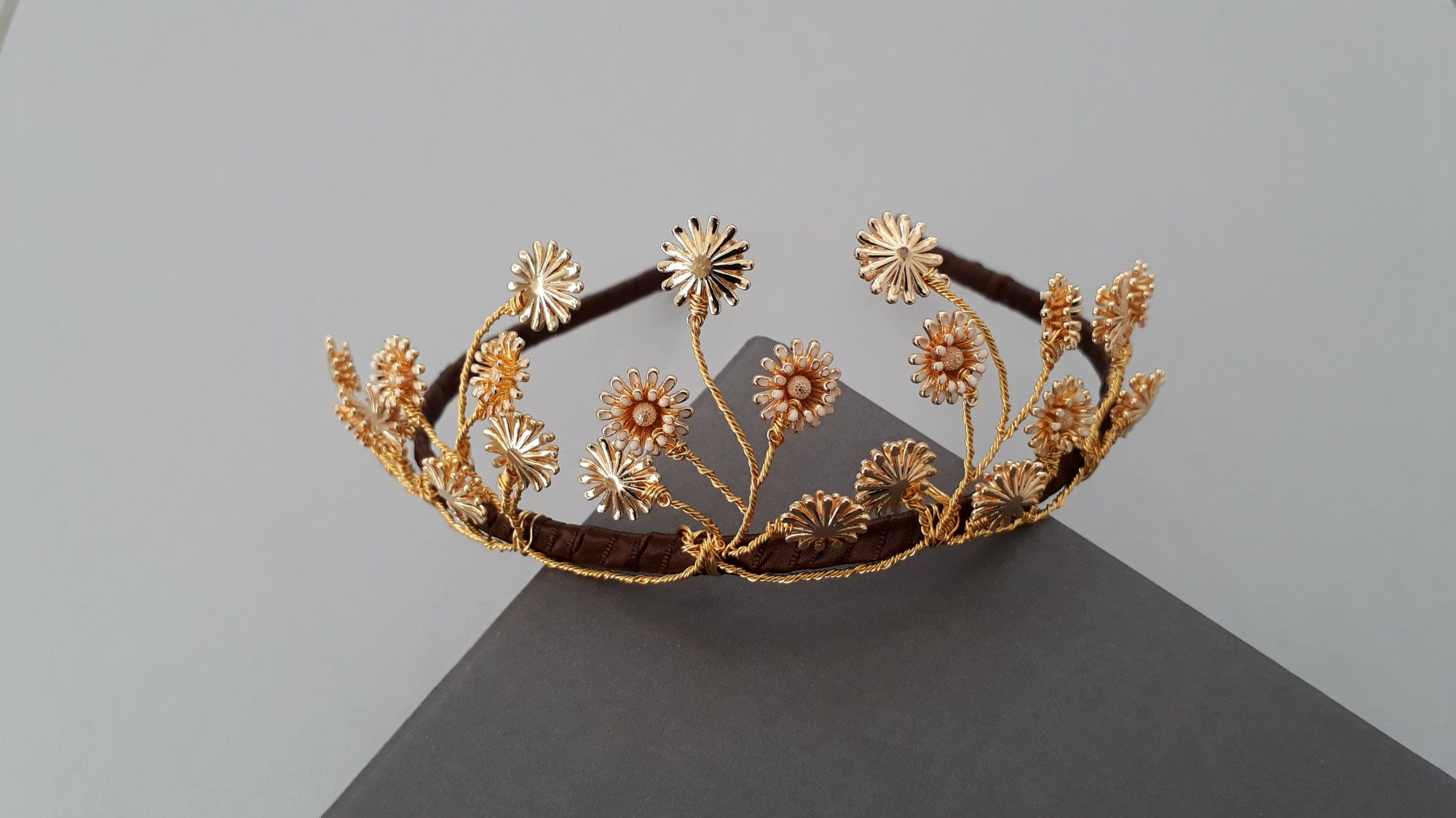 Personalised-handmade-bridal-wedding-&-occasion-headpieces-&hair accessories-UK