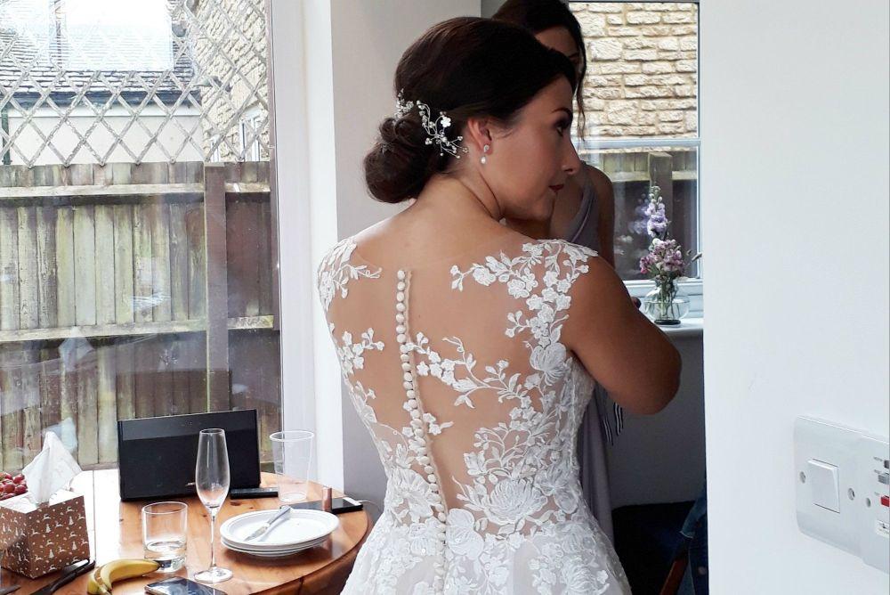 Delicate-white-bridal-hair-vine-accessory-UK-20190810_134540 (2)