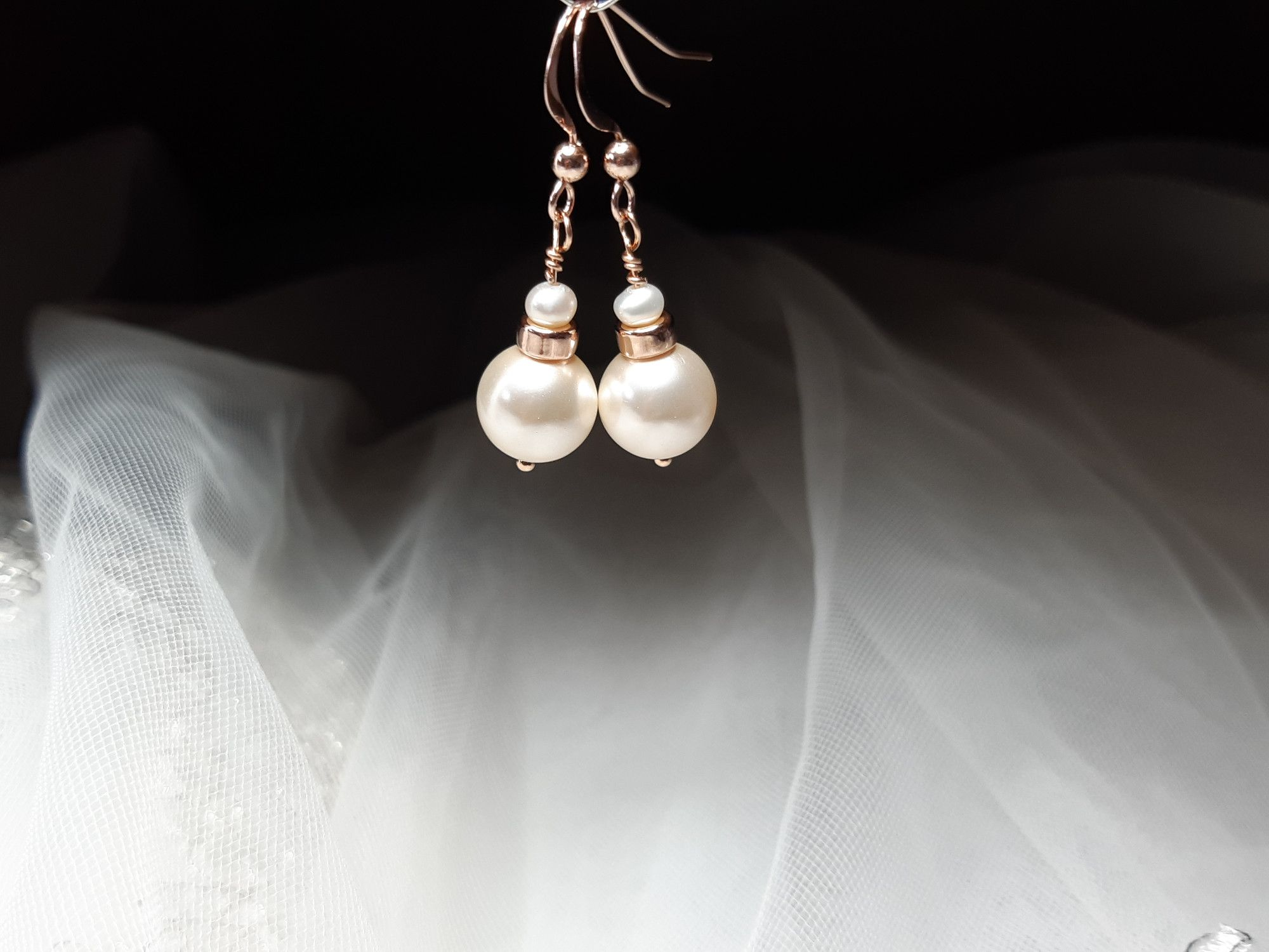 Occasion-bridal-wedding-pearl earrings with rose gold-1.jpg