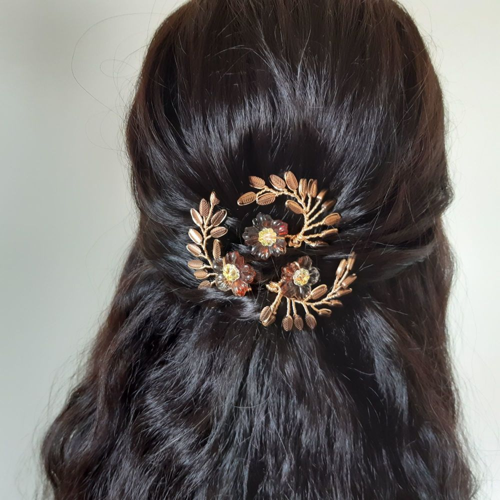 0A-BBS-Signature leaf & autumnal flower hair pins-Felicity