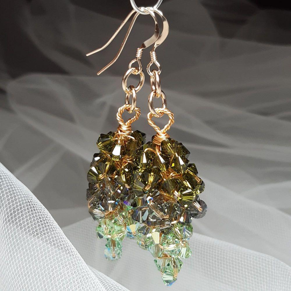 Signature-occasion-earrings-SWREMRLDGRN-1