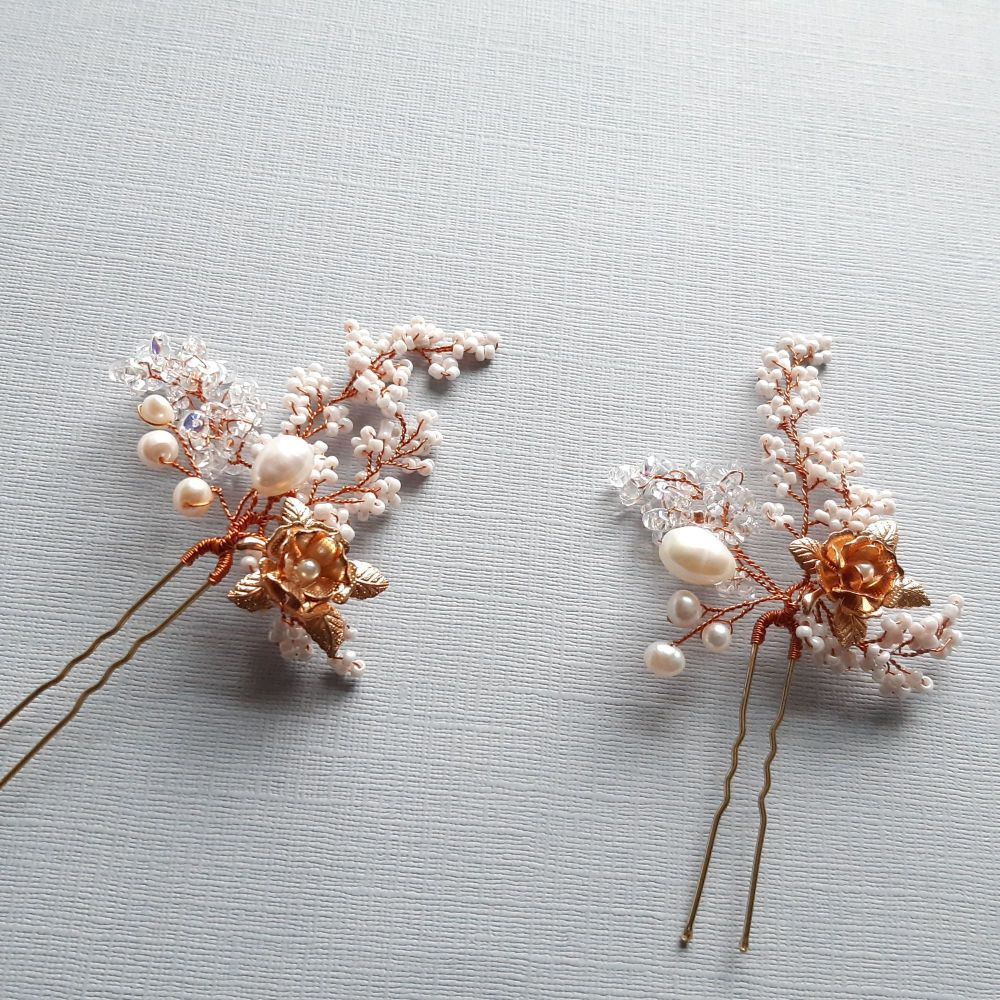 Intricate-flower-floral-occasion-hair-pin-UK-Roseanne-1