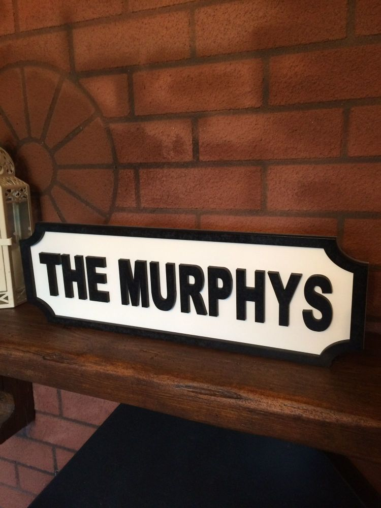PERSONALISED FAMILY FRIENDS NAME HOUSE WOODEN PLAQUE