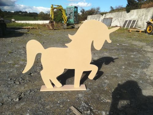 Large 3ft 900mm high Freestanding Unicorn 12mm Thick With Base