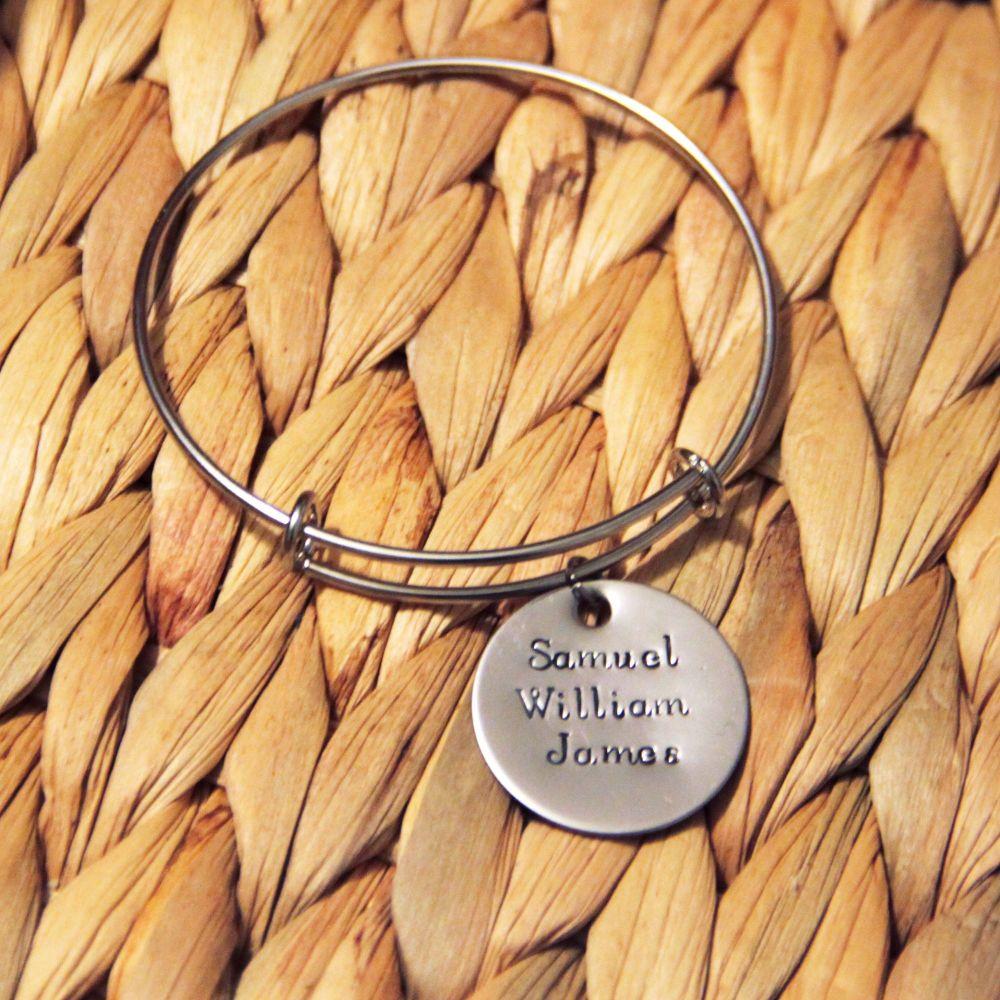 Single loop bracelet with handstamped disk