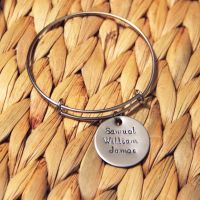 Single loop bracelet with handstamped disk