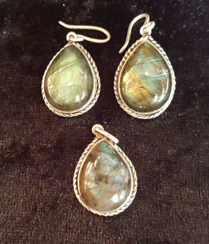 Labradorite Earring and Pendant Set