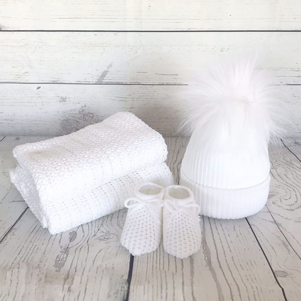 Newborn Winter Gift Set